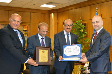 Mr Afif Al Fariqi, President of the Arab Road Safety Organization,  his deputy Brigadier Hassan Al Hosani, Dr Mahmoud Fikri, WHO Regional Director for the Eastern Mediterranean, and HE Mr Ghassan Hasbani, the Minister of Public Health and Deputy Prime Minister of Lebanon