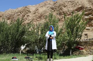 Midwife Fatima has worked as a midwife for 7 years at the Shumbol Basic Health Centre in Shiber, Bamyan. WHO/S.Ramo