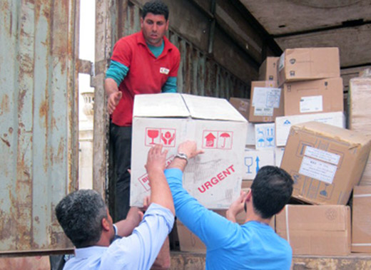 WHO is working with health partners to urgently provide medicines and medical supplies to functioning hospitals and health centres in Aleppo.The most critical needs reported by health staff are medicines for trauma injuries, including IV fluids, as well as for hypertension, asthma, diabetes and epilepsy, and medicines for Leishmaniasis.Photo credit: OCHA