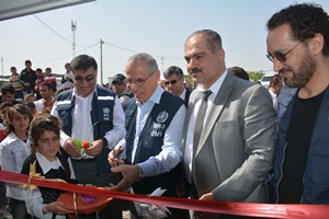 WHO Regional Director inaugurates primary health care centre and hands over urgently needed mobile medical clinics and ambulances to health authorities in Dohuk, Iraq
