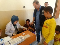 WHO, in conjunction with the Iraqi Ministry of Health and UNICEF , is undertaking a five-day polio vaccination campaign across the country, with the aim of immunizing 4 million children aged under 5 years in 12 governorates
