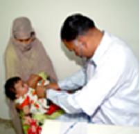 Iraqi_Doctor_Provide_Treatment_for_Iraqi_Baby