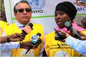 WHO Representative for Somalia Dr Ghulam Popal and Federal Minister of Health of Somalia Dr Hawo Hassan Mohamed address the media