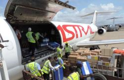 Aid plane arriving in Socotragovernorate carrying WHO emergency medicines and medical supplies. Photo: WHO